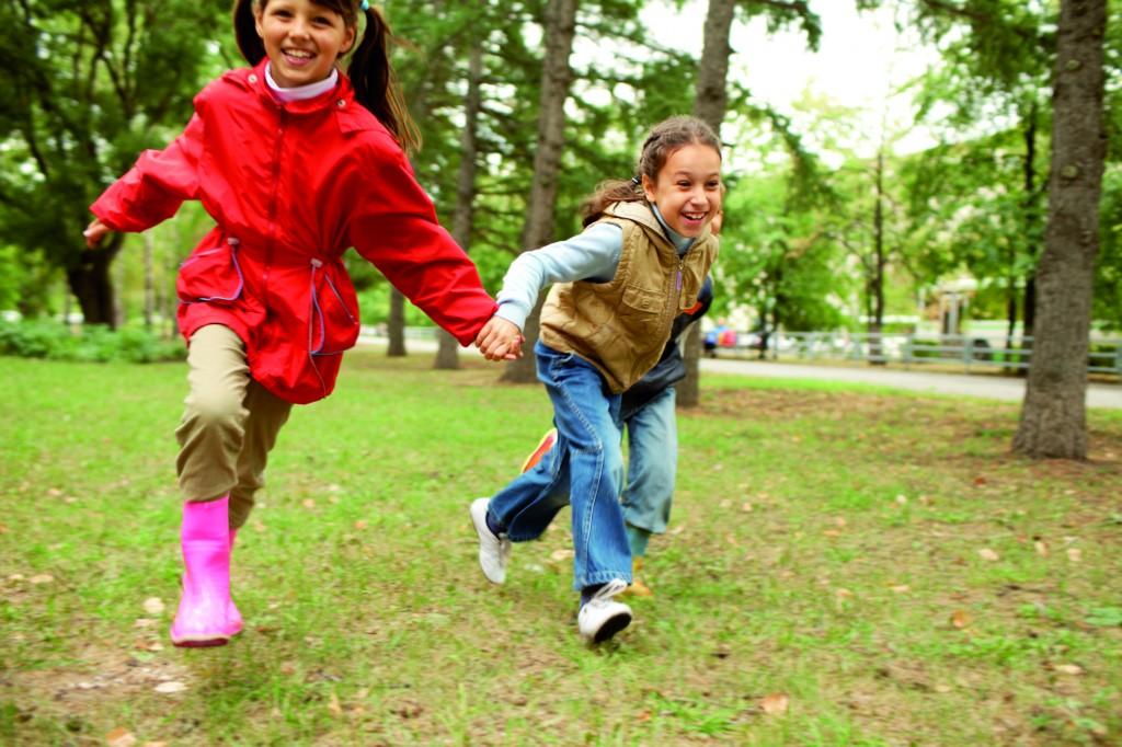 Children-running-outdoors-CMYK-canstockphoto4657804